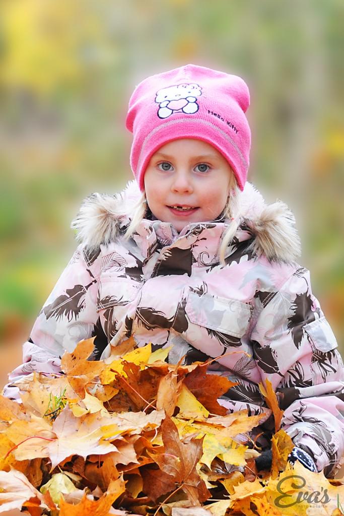 Fotograf Eva Hallkvist-barnfotografering utomhus